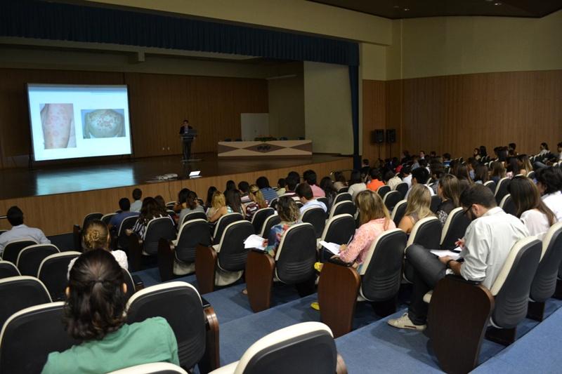 Estudantes e profissionais de Saúde se reúnem para debater sobre Reumatologia em Juazeiro/BA.